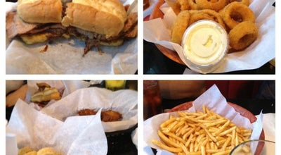 Photo of American Restaurant Dog House Grill at 2789 E Shaw Ave, Fresno, CA 93710, United States