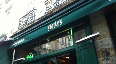 Photo of Pub Stolly's at 16 Rue Cloche Percé, Paris 75004, France
