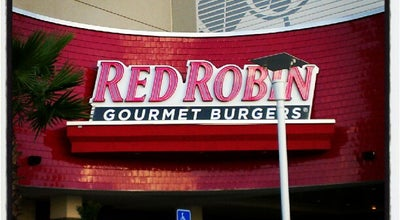 Photo of American Restaurant Red Robin Gourmet Burgers at 27001 Us Highway 19 N, Clearwater, FL 33761, United States