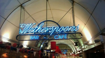 Photo of Pub Wetherspoons at London Victoria Station (vic), Victoria SW1V 1JU, United Kingdom