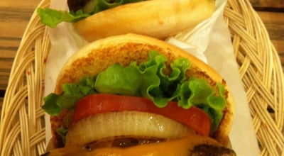 Photo of Burger Joint フレッシュネスバーガー ピーコックストア千里中央店 at 新千里東町1-1-1, 豊中市 560-0082, Japan