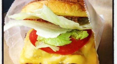 Photo of American Restaurant BurgerFi at 6 S Ocean Blvd, Delray Beach, FL 33483, United States