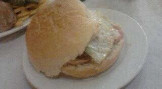 Photo of American Restaurant Hamburgueseria Kaiser at Calle Labradores 5, Logroño 26005, Spain