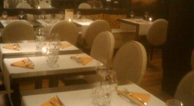 Photo of French Restaurant La Virgule at 27 Rue De La Loge, Marseille 13002, France