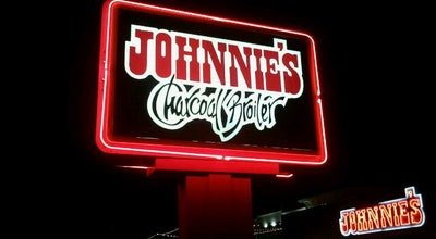 Photo of American Restaurant Johnnie's Charcoal Broiler at 33 E 33rd St, Edmond, OK 73013, United States