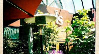 Photo of Restaurant Earl's Restaurants at 11830 Jasper Ave Nw, Edmonton, Ca T5K 0N7, Canada