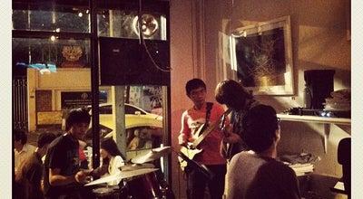 Photo of Jazz Club Jazz happens! (แจ๊ส แฮบเพ้นส์) at 62 Phra Athit Rd., Phra Nakhon 10200, Thailand