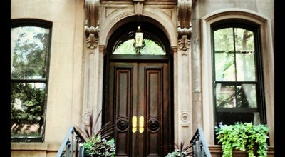 Photo of General Entertainment Carrie Bradshaw's Apartment from Sex & the City at 66 Perry St, New York, NY 10014, United States