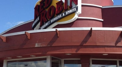 Photo of American Restaurant Red Robin Gourmet Burgers at 360 Buckland Hills Dr, Manchester, CT 06042, United States