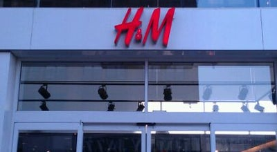 Photo of Clothing Store H&M at 125 W 125th St, New York, NY 10027