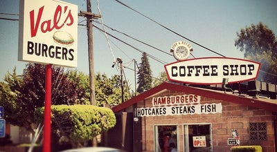 Photo of American Restaurant Val's Burgers at 2115 Kelly St, Hayward, CA 94541, United States
