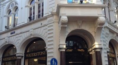 Photo of Bookstore Waterstones at Kalverstraat 152, Amsterdam 1012XE, Netherlands