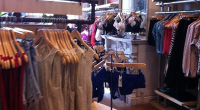 Photo of Clothing Store Urban Outfitters at Stefaniaplein 6 Place Stéphanie, Elsene / Ixelles 1050, Belgium