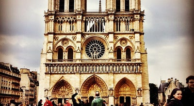 Photo of Plaza Parvis Notre-Dame — Place Jean-Paul II at Parvis Notre-dame, Paris 75004, France