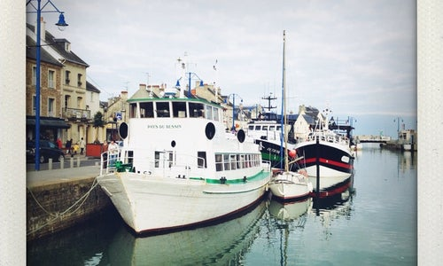 Port en bessin huppain harbor in port en bessin huppain - Restaurant port en bessin fleur de sel ...