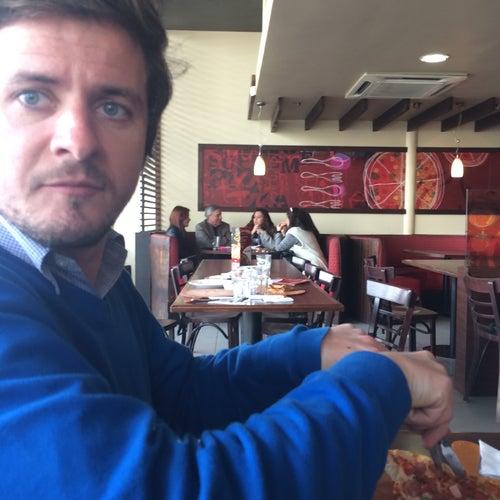 Pizza Hut - La Dehesa / El Tranque en Santiago