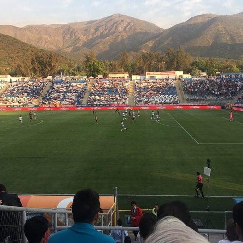 Estadio San Carlos de Apoquindo en Santiago