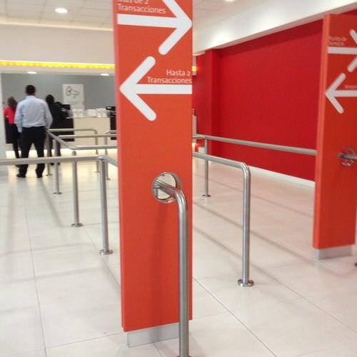 Helm Bank Oficina Torre Rem en Bogotá