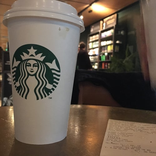 Starbucks - San Carlos de Apoquindo en Santiago
