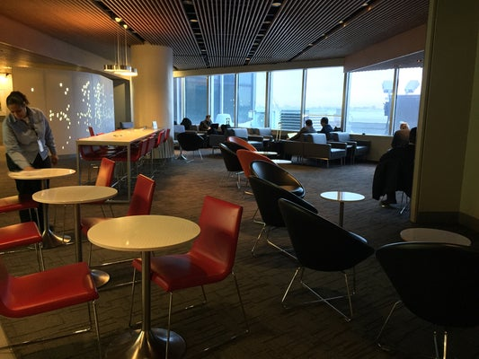 Air Canada Maple Leaf Lounge – LGA (New York, NY - La Guardia International (LGA))