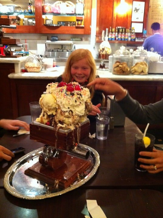 man vs food kitchen sink challenge san francisco creamery co the daily meal 9727