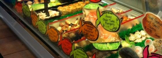 Fish peddler seafood restaurant in fort lauderdale for Fish market fort lauderdale