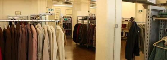 burberry store outlet ed9u  This factory shop is cheaper than the regular shop for Burberry fans