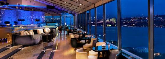 City lights restaurant bar intercontinental istanbul gmsuyu city lights restaurant bar yenilenen yzyle stanbul ve boaz manzarasna kar zel araplar ve kokteyller lezzetli balanglar birbirinden zengin aloadofball Gallery
