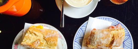 Schnes Studentencafe Mit Leckerem Frhstck Und Kaffee