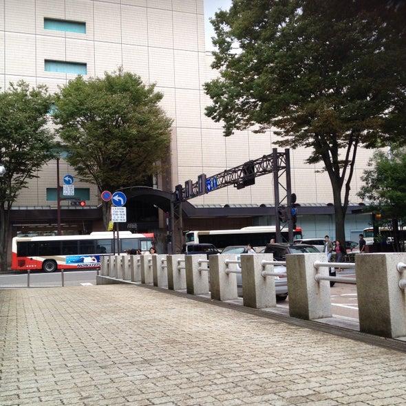 「日銀前」交差点 日本銀行金沢支店