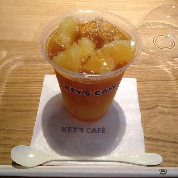 キーズカフェ ビックカメラ名古屋JRゲートタワー店 ピーチ&パイナップル