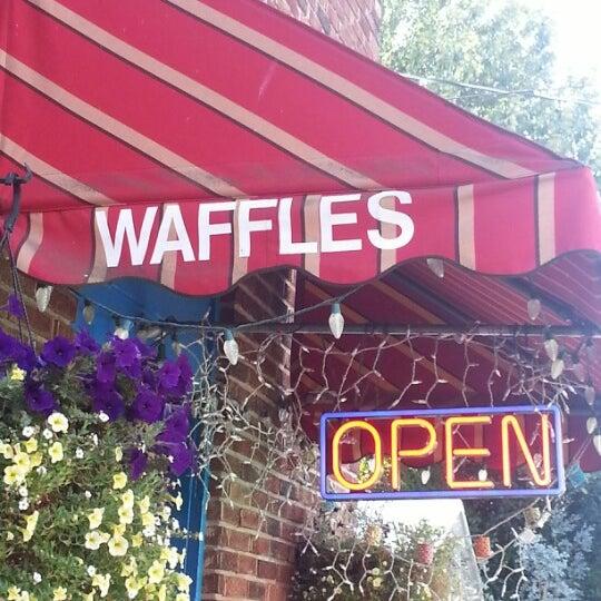 Foto tirada no(a) The Waffle Window por Daron E. em 8/15/2012