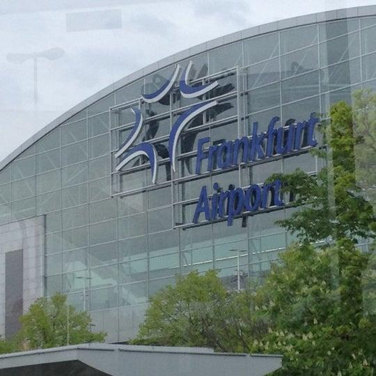 Das Foto wurde bei Frankfurt Airport (FRA) von Vadim D. am 4/25/2012 aufgenommen