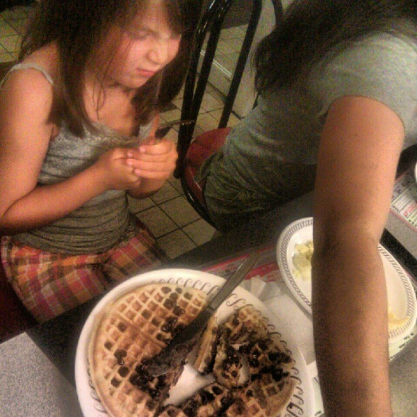 Photo taken at Waffle House by Jeff P. on 7/27/2012