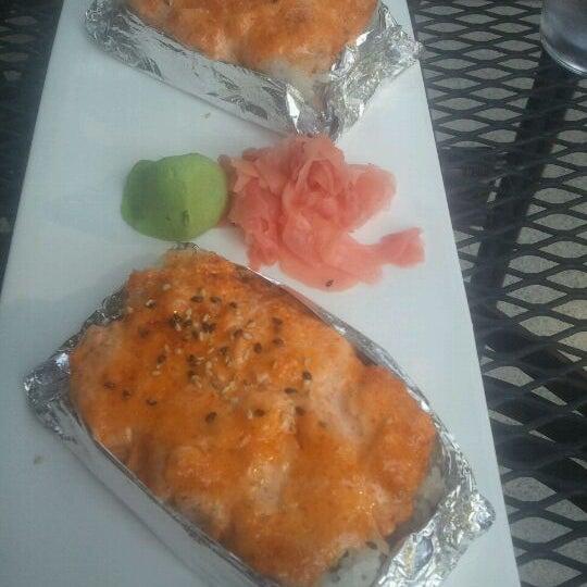 Photo prise au Sushi O Bistro par James D. le5/8/2012