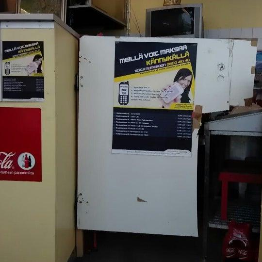 Foto diambil di Mega Pizza & Kebab oleh Herkko V. pada 7/1/2012