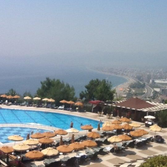 6/17/2012 tarihinde Innessziyaretçi tarafından Utopia World Hotel'de çekilen fotoğraf