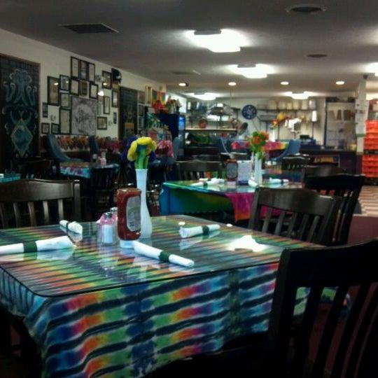 Photo taken at Tie Dye Grill by Bob B. on 6/1/2012