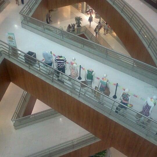 Foto tirada no(a) Partage Shopping São Gonçalo por Alexandre S. em 2/15/2012