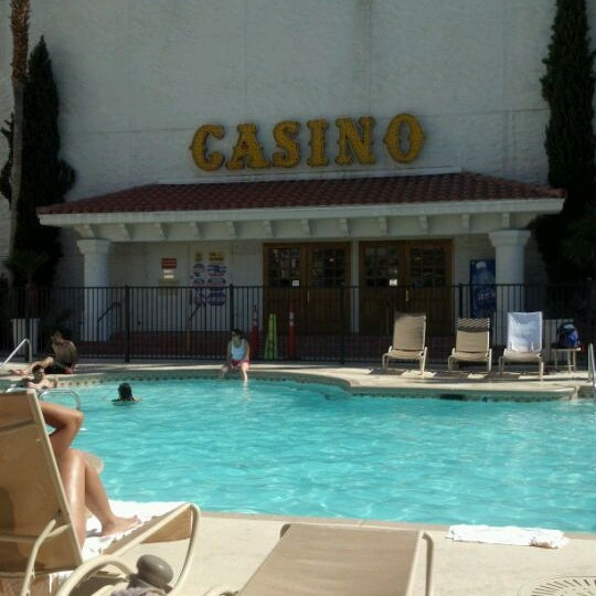 Photo taken at Gold Coast Hotel & Casino by Lynn H. on 4/21/2012