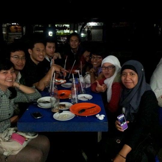 Photo taken at Roti Bakar Eddy by Gamantyo T. on 4/11/2012