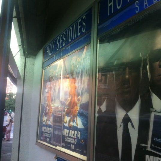 Foto tomada en Cinema Los Vergeles por Imanol M. el 7/11/2012