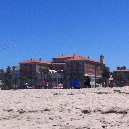 รูปภาพถ่ายที่ Casa Del Mar Hotel โดย Nancy H. เมื่อ 6/24/2012