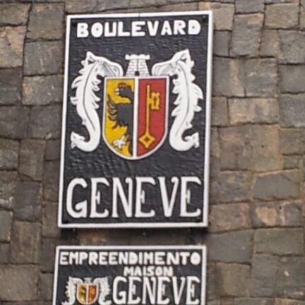 Foto tirada no(a) Boulevard Geneve por Julio N. em 3/30/2012