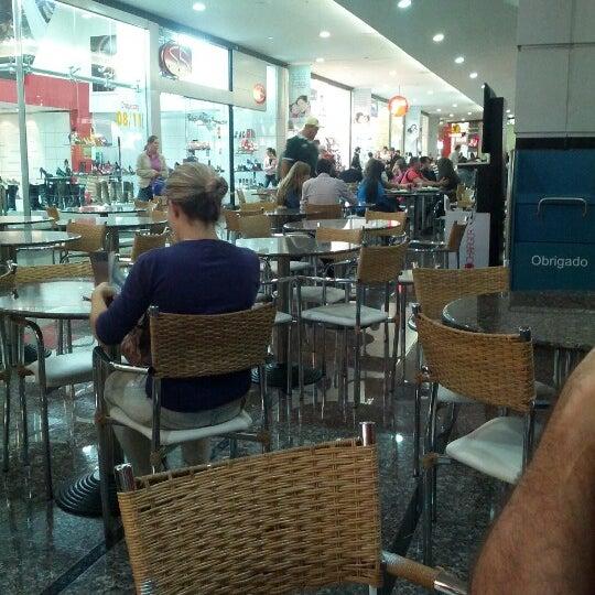 Foto tirada no(a) JL Shopping por Flávio R. em 6/17/2012