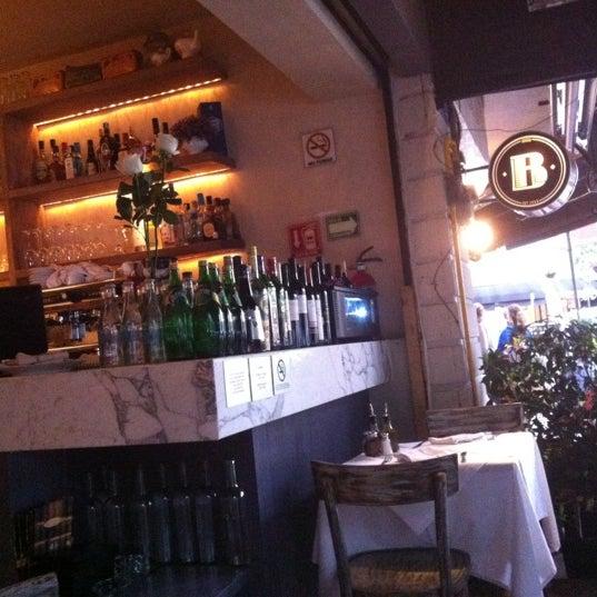 Foto tomada en Rocco & Simona Pizza al Forno por Arturo S. el 8/19/2012