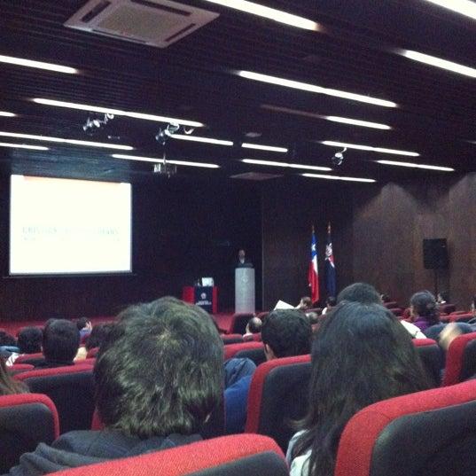 Foto tomada en Universidad Andrés Bello por Maria jose F. el 5/4/2012