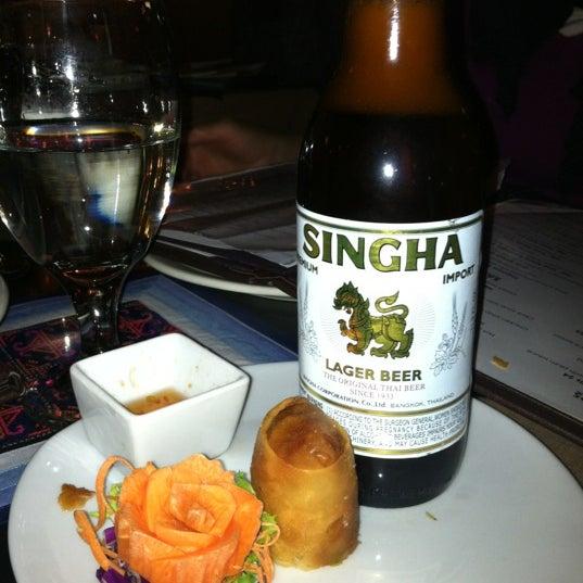 Foto tomada en Pure Thai Cookhouse por Emily E. el 12/25/2011