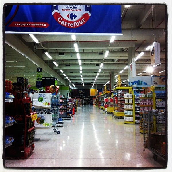 Photo taken at Carrefour by Rogerio M. on 10/16/2011