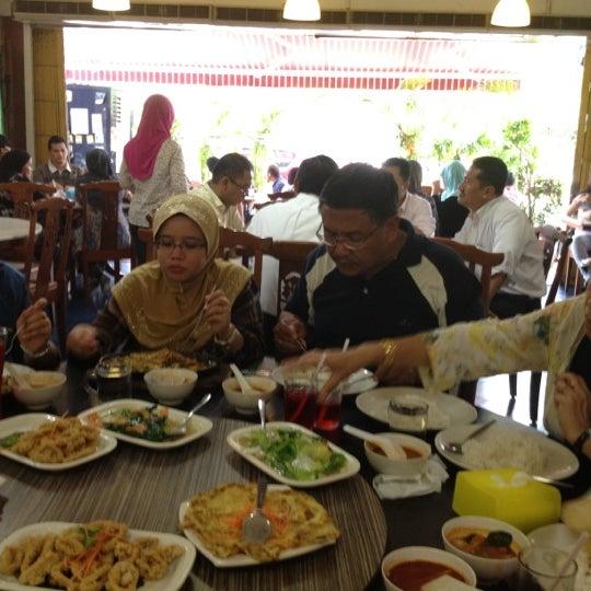 Photo taken at Homst Restaurant by Syamil I. on 5/29/2012